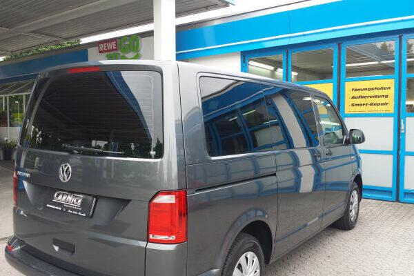 Getönte Seitenscheibe VW Multivan nach der Scheibentönung